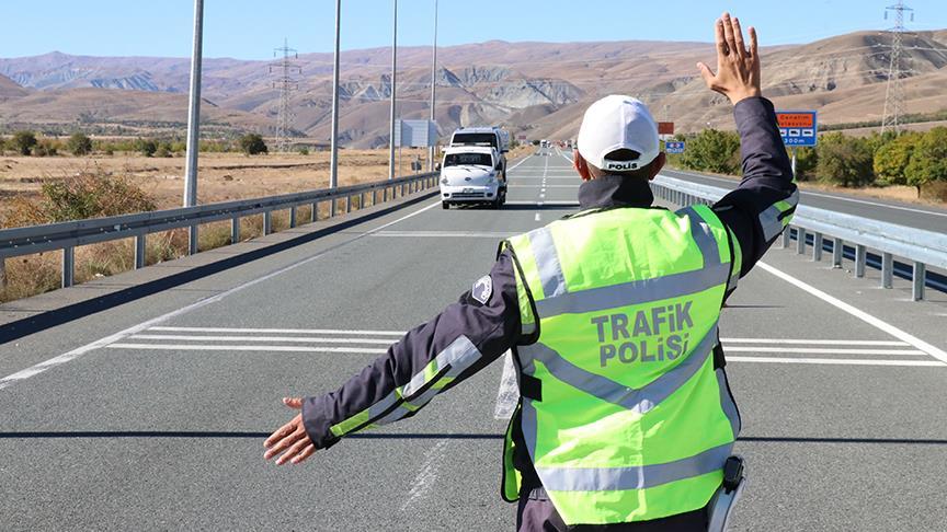 3 milyon sürücüye ceza yayalar da kısmetini aldı