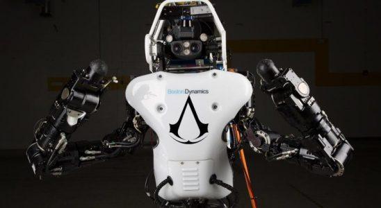 İnsansı Robot Atlas'ın Ezio'ya alan okuyan parkur performansı