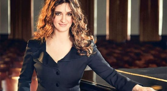 Şanlı piyanist Anjelika Akbar'a taksici tuzağı turist sanıp...