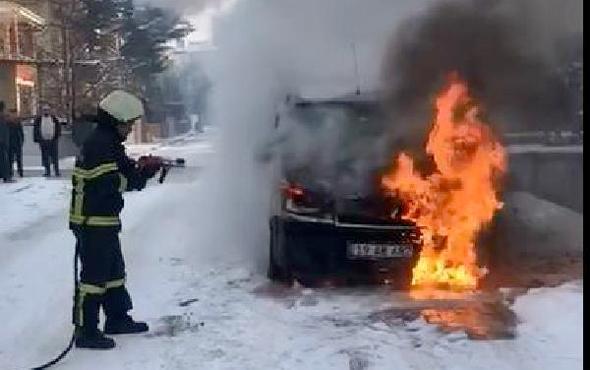 Kontağı çevirdiği anda arabada yangın çıktı