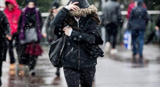 Uşak saatlik hava gidişatı raporu fena kar bastırıyoré
