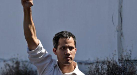 Venezuela'da karşılar yine caddelere iniyor