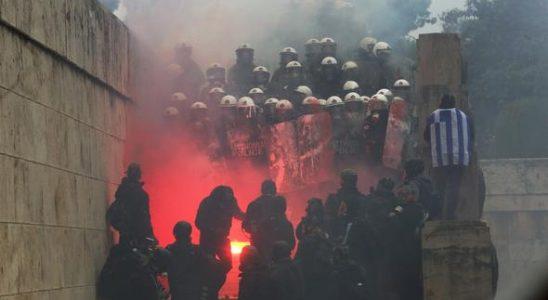 'Yunanistan'da 2 Türk nezaretine alındı' iddiası!