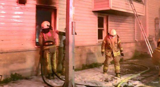 Eyüp'te ahşap hamam yangını paniğe neden oldu