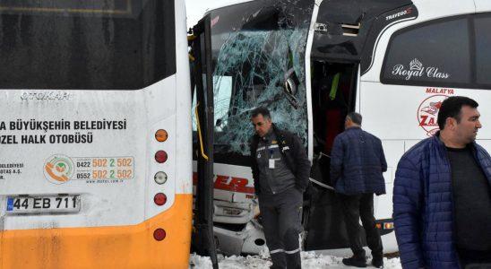 Malatya'da 2 otobüs çarpıştı! Ölü ve çok rakamda yaralı bar