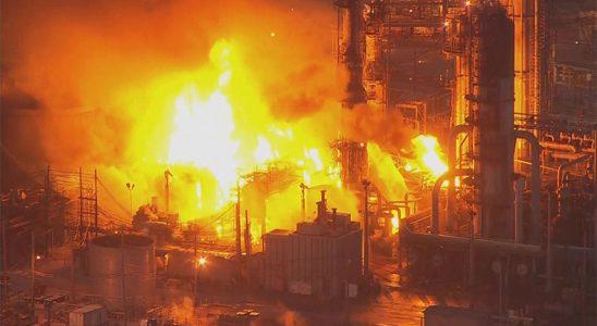 Philadelphia Petrol Rafinerisi Patlaması Uzaydan Dahi Göründü