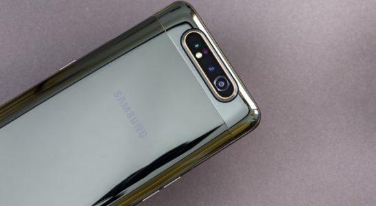 Samsung Galaxy A90'ın Galaxy R Acelesi Azası Olarak Tanıtılacağı Söyleniyor
