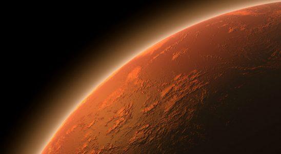 Mars'ın Kutup Bölgesinde Alana Gelen Kum Kasırgası Görüntülendi