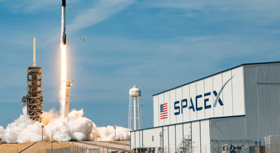 SpaceX'in Uzay Taşıtlarını Geliştirdiği Florida'daki Kuruluşunda Yangın Çıktı