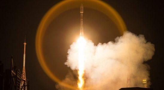 Rusya, 34 OneWeb Uydusunu Uzaydan İnternet İçin Yörüngeye Fırlattı