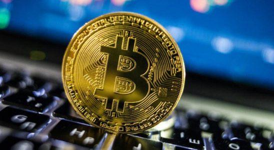 Bitcoin, Tarihi Zirveden Sert Düştü