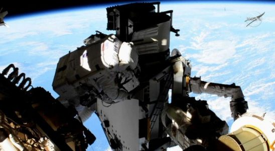 NASA, Uluslararası Uzay İstasyonu'nda Uzay Yürüyüşüne Çıkan Astronotların Görüntüsünü Paylaştı [Video]