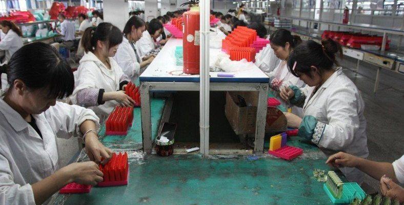 Nike, Apple, Amazon ve Coca-Cola, Çin'in Uygur Türklerine Yaptığı Baskıdan 'Kâr Sağlamakla' Suçlandı