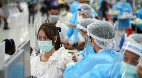 Çin, Aşılanmayanları Covid-19 Salgınının Yayılmasından Sorumlu Tutacağını Açıkladı