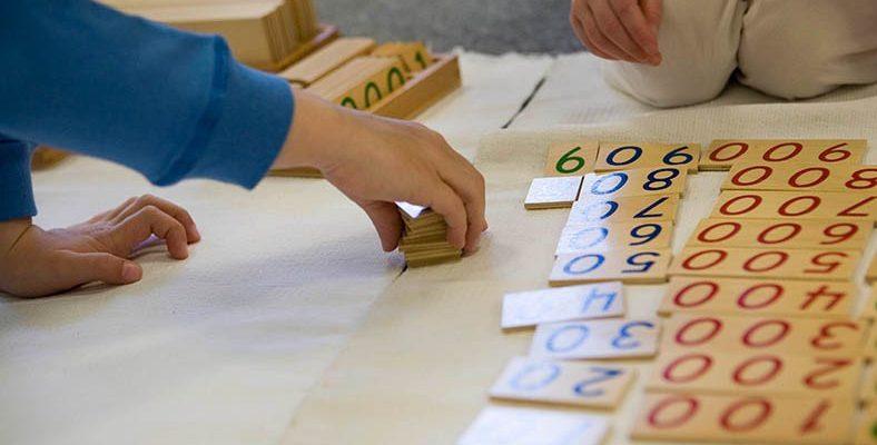 Çocuğunuzun Kendi Seçimlerini Yapıp ve Başarılı Olmasını Sağlayan 'Montessori Eğitimi' Nedir?